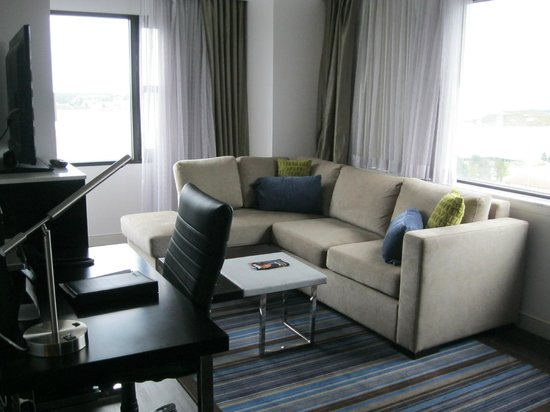 The Hollis Halifax - a DoubleTree Suites by Hilton: One-bedroom suite