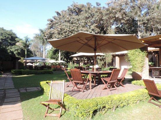 Arusha Coffee Lodge : Grounds