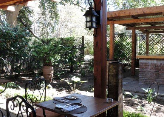 Arusha Coffee Lodge : Patio