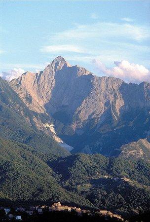 Equi Terme, Italy: Valle glaciale del Pizzo d'Uccello