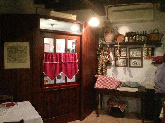 Osteria del Vicolo Fatato: Interne du ristorante.