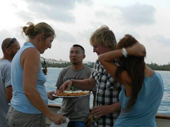 bahía de Simpson, St. Maarten: Sunset cruise appetizers