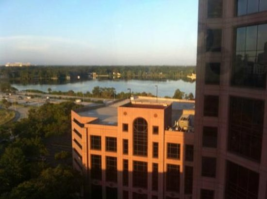 DoubleTree by Hilton Orlando Downtown: Lake Ivanhoe