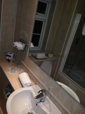 Skeffington Arms Hotel : Bathroom