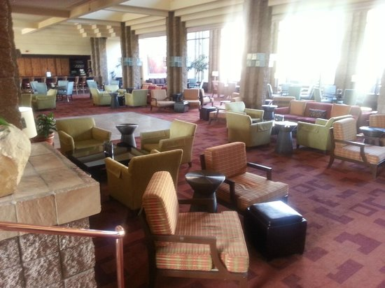 Loews Ventana Canyon Resort : One of the areas of dining, music,and just fellowshipping!