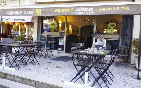 Le Square Cafe : la terrasse