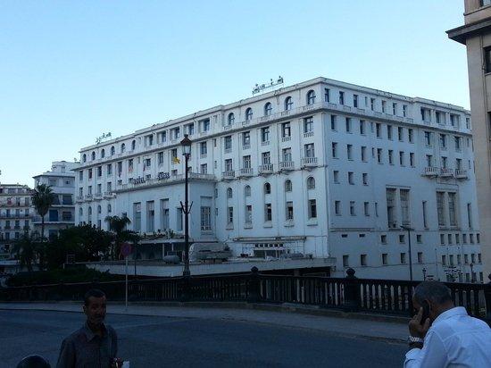 Safir Hotel Alger: fachada