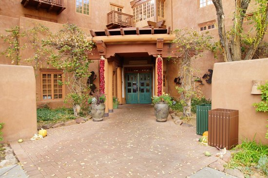 Hotel Santa Fe: Main Entrance