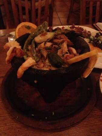 El Sol Mexican Restaurant : Amazing Molcajete Mixto!!