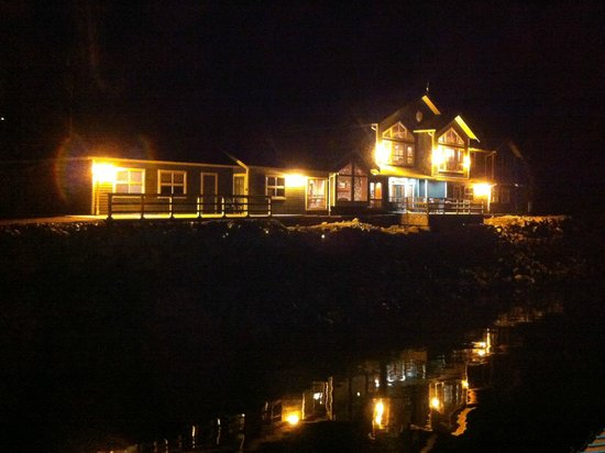 Shearwater Resort & Marina: Waterfront lodge