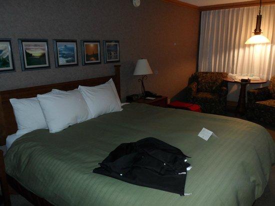Cavalier Oceanfront Resort: Zimmer