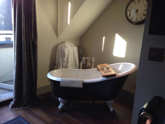 Hotel du Vin & Bistro: Bath in the room