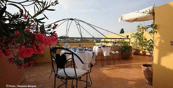 Riad Tajpa : Petit dej de luxe sur la superb terrasse