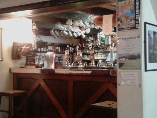 The Fountain Inn: The bar small but perfect