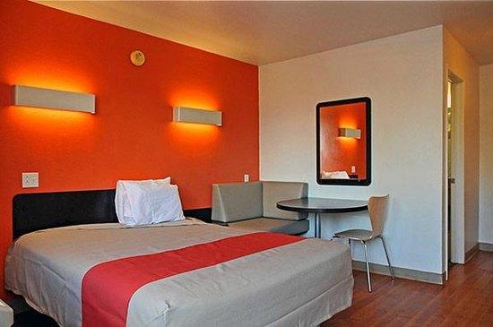 Motel 6 Montgomery - East: Single