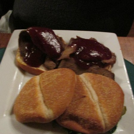 Big Meadows Lodge Dining: Beef Brisket sandwiches