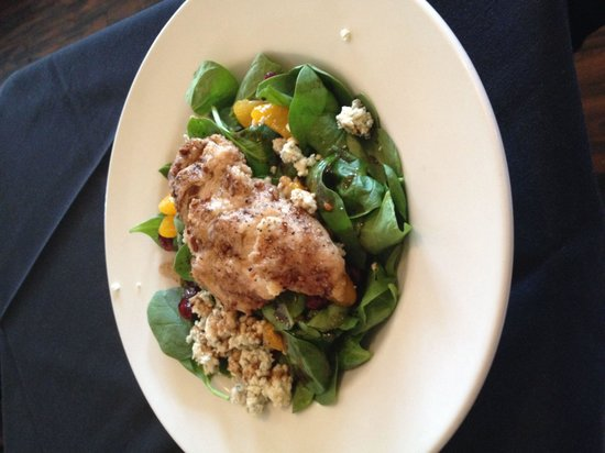 Cafe Phoenix: Pecan crusted chicken spinach salad