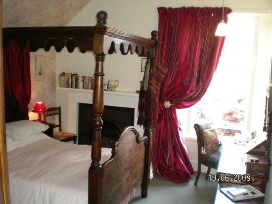 Greystones B&B: Wren, four poster bedroom