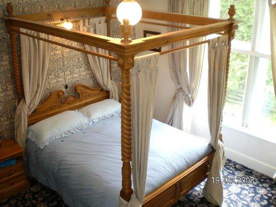 Greystones B&B: Eagle, four poster bedroom