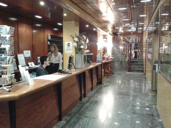 Eureka Hotel Les Escaldes: Recepción.