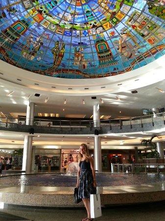 Kukulcan Plaza : área central do shopping
