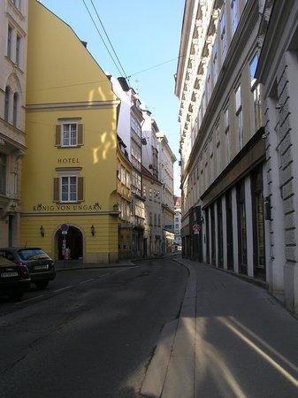 Hotel Konig Von Ungarn : Вид с улицы