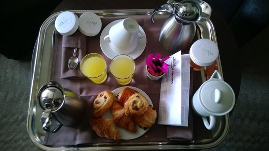 Le Richebourg: Petit déjeuner en chambre
