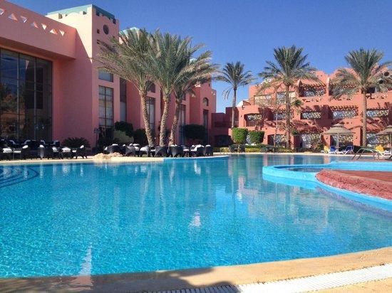 Nubian Island Hotel: Бассейн около главного здания