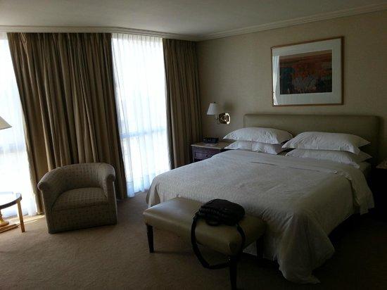 Sheraton Santiago Hotel and Convention Center: Habitación
