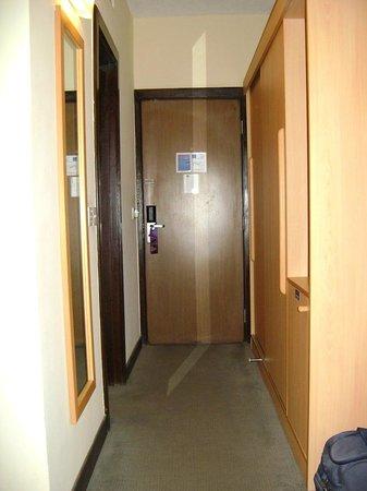 Novotel Port Harcourt: Room entrance