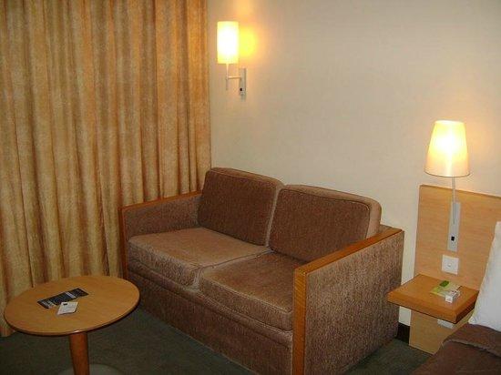 Novotel Port Harcourt: Room sofa