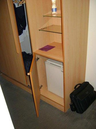 Novotel Port Harcourt: Room cupboard