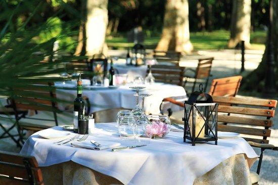 Le Chateau des Alpilles Restaurant : Une soirée d'été