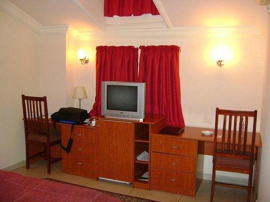 Elion House Hotel: Room area-upstair room
