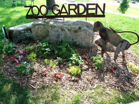 Muscatine Zoo Garden