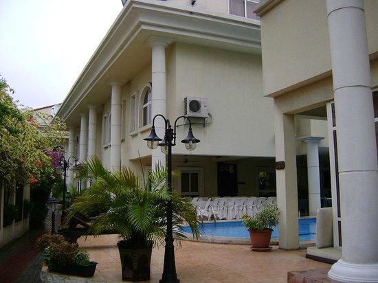 Elion House Hotel: Hotel buildings