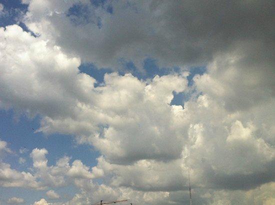 Sankara Nairobi: beautiful cloudy day