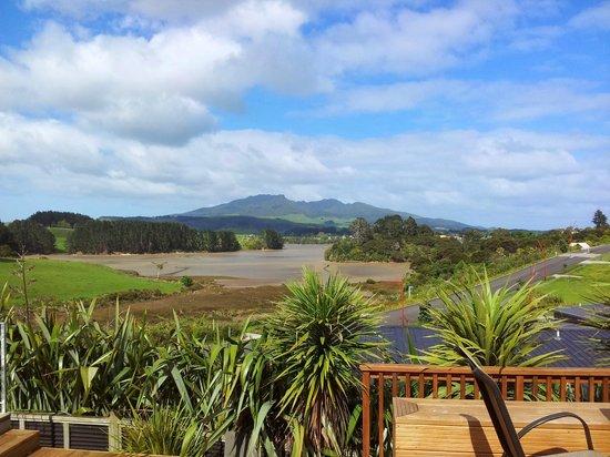 Raglan Farmstay: View from the breakfast deck