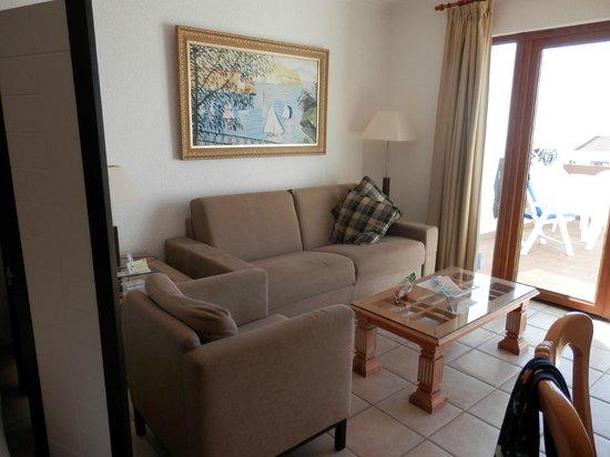 The Suites at Beverly Hills: sittmöbel i lägenheten