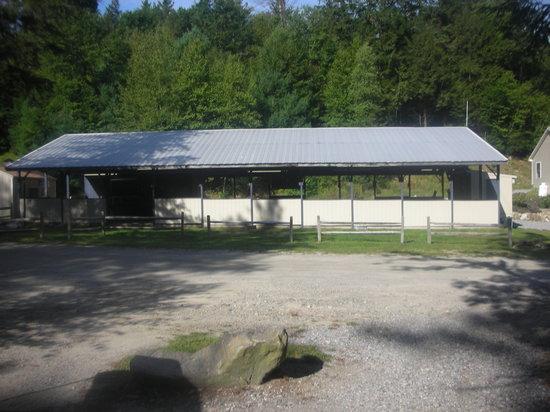 Hemlock Hill Camp Resort: Pavilion