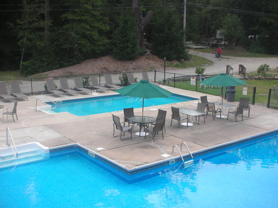 Hemlock Hill Camp Resort: 2 Pools