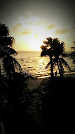 Curacao Marriott Beach Resort & Emerald Casino: Breathtaking view of the sunset from room 384.