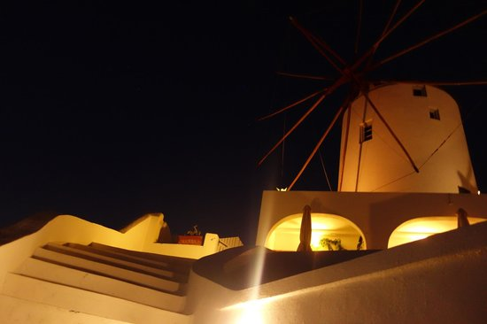 Golden Sunset Villas: the stairs leading up from our room towards the reception, exit and the windmill