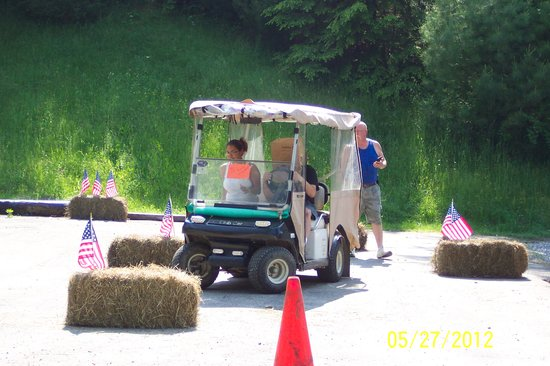 Hemlock Hill Camp Resort: Golf Cart Obstacle Course
