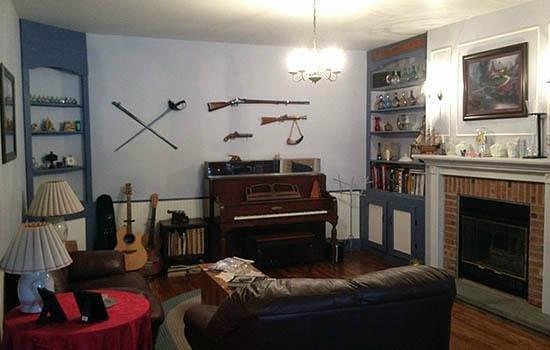 Yorkshire Inn: The main living room
