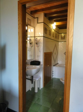 Il Guelfo Bianco: Great bathroom