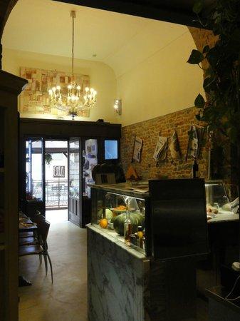 Il Guelfo Bianco: Il Desco . . . restaurant next door/attached
