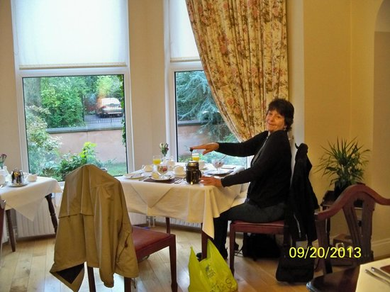 Roseleigh House: friend enjoying delicious made to order breakfast