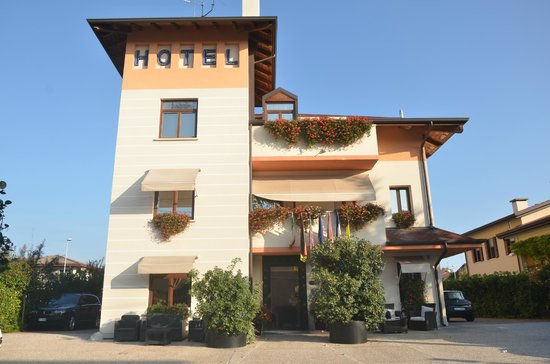 Small Hotel Royal: esterni