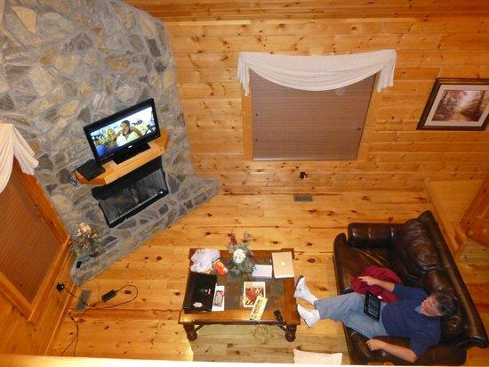 White Oak Lodge & Resort: living room shot from upstairs loft